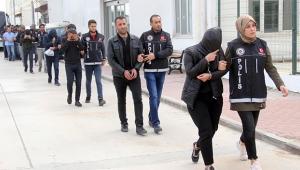 Uyuşturucu satıcısı karı koca yakalandı