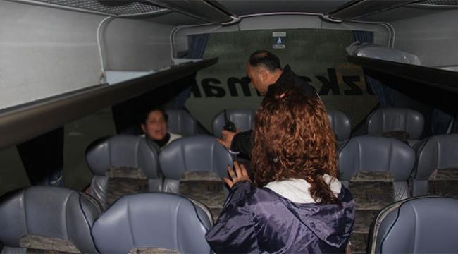 Bilet alamayan kadın otobüsü rehin aldı