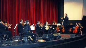 ÇDSO Senfoni Orkestrası saz eserleri konseri verdi
