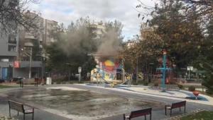 Çocuk parkındaki trafo bomba gibi patladı