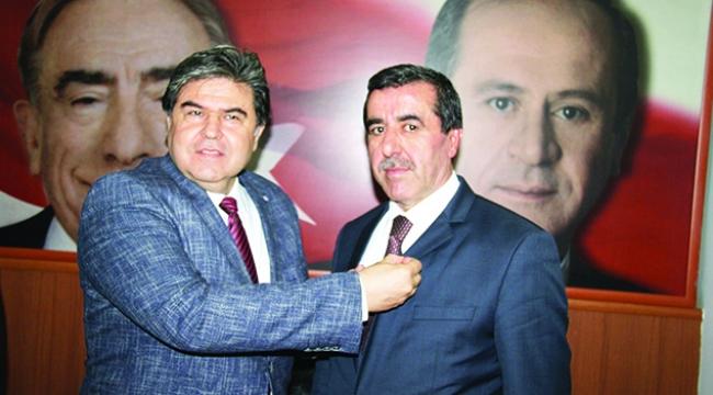 MARDAV'ın kurucularından Özçelik MHP'ye geçti