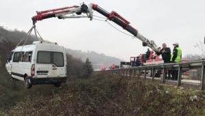 Servis minibüsü şarampole uçtu: 9 yaralı