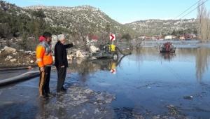 Adana'da 200 ev sular altında kaldı