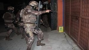 Adana'da terör örgütü operasyonu: 13 gözaltı