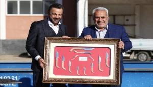 'Bir Zamanlar Çukurova' dizisinin setine Adanalı baskını!