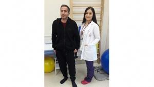 Felçli hasta 1,5 ayda yürüdü