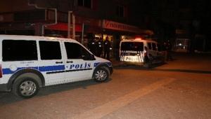 Sokak ortasında silahlı kavga: 2 yaralı