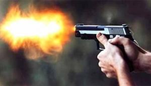 Tartıştığı babasını silahla vurdu
