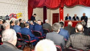 Vali Demirtaş, Karataş'ta muhtarlarla bir araya geldi