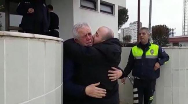 Baba ve oğulun ağlatan kavuşması