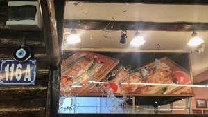 Hesabı fazla buldular restorana kurşun yağdırdılar