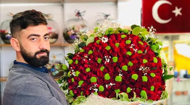 Sevgiliyi bekleyen çiçekler