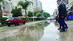 Sürücüler yağmur dinlemiyor