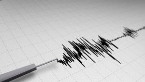 24 saatte 483 artçı deprem!