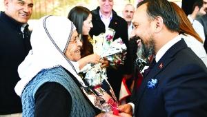 Semt pazarı ziyaretine Milletvekili Dağlı da katıldı