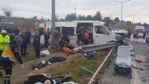 İşçilerini taşıyan minibüs devrildi ölü ve yaralılar var