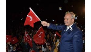 Kozan'da belediye el değiştirdi