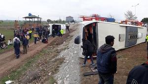 Öğrencileri taşıyan otobüs devrildi