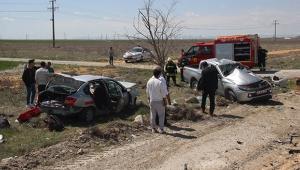 Otomobil ile pikap çarpıştı 1 ölü 5 yaralı