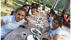 Şehit Sabri Acem Ortaokulu 'Yaza merhaba' dedi