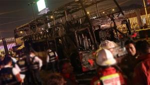 Seyir halindeki otobüs alev aldı : En az 20 ölü