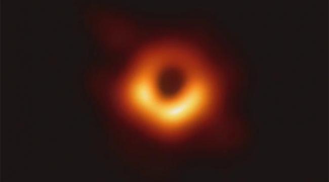 Yayınlanan ilk kara delik fotoğrafına isim verildi!