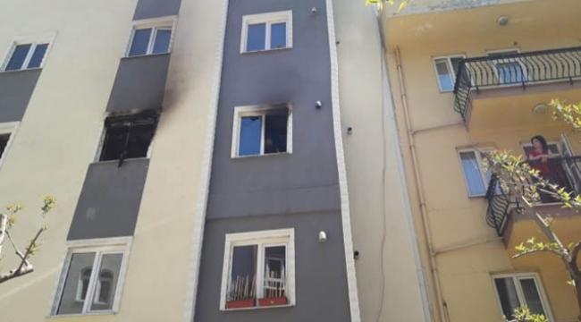 5 katlı öğrenci apartında yangın çıktı