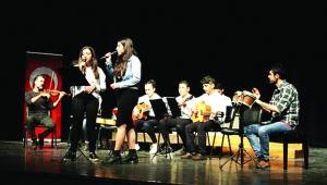 Akkapı Gençlik Orkestrası güzel sanatlara kapı aralıyor