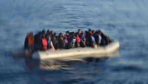 Batan teknede 50 göçmen öldü