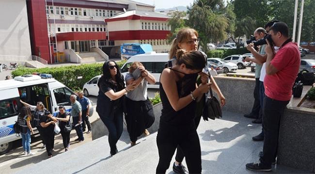 Fuhuş zanlıları Adana'da adliyeye sevk edildi