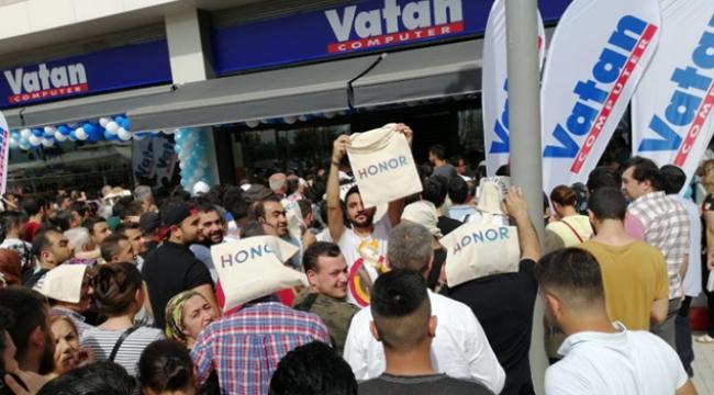 HONOR'dan Adana'ya özel indirim