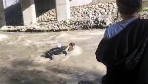 İki genç kız şakalaşırken ölüme gitti