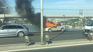 Önce aracını yaktı, ardından köprüden aşağı atladı