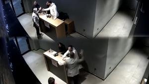 Patrondan çalışanlarına akılalmaz şiddet
