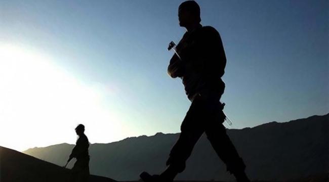 Teröristlerle sıcak çatışma: 3 asker yaralandı