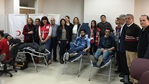 Türk Kızılayına kan verin hayat kurtarın