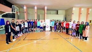 Badminton antrenörlük kursu başladı