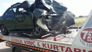 Feci kaza: İki otomobil çarpıştı; 2 ölü, 3 yaralı