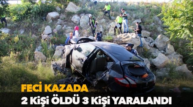 Feci kazada 2 kişi öldü, 3 kişi yaralandı