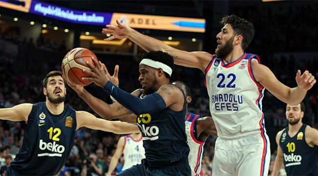 Fenerbahçe Beko final serisine çok farklı başladı
