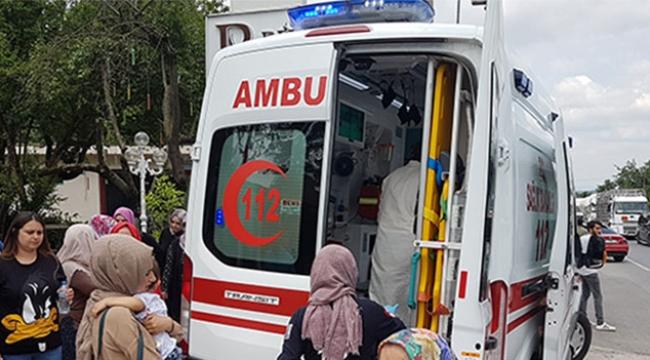 İki otomobil çarpıştı: 1'i çocuk 7 yaralı