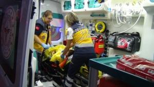 Irmağa atlayan kadını boğulmaktan son anda kurtardı