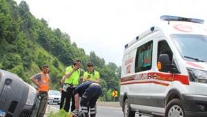 Kontrolden çıkan minibüs şarampole yuvarlandı ölü ve yaralılar var