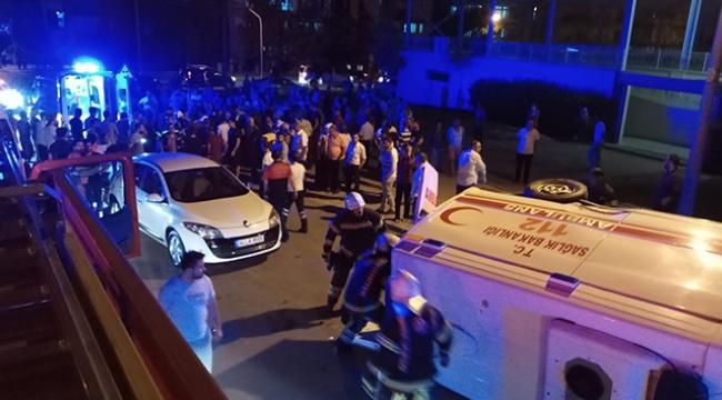 Otomobil ile ambulans çarpıştı :7 yaralı