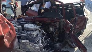 Otomobiller çarpıştı: 2 ölü, 5 yaralı