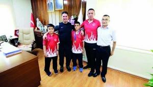 Şampiyon karatecilerden Ataşbak'a ziyaret