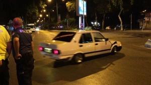 Trafik cezası kesilen sürücü drift yaparak cezayı protesto etti