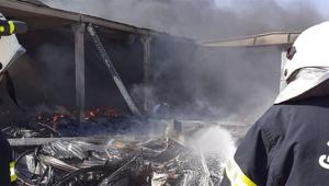 Depoda çıkan yangın 10 saattir devam ediyor