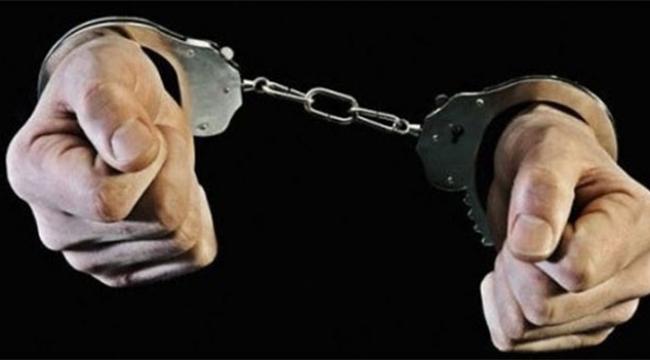 Görevi kötüye kullanan polisler tutuklandı