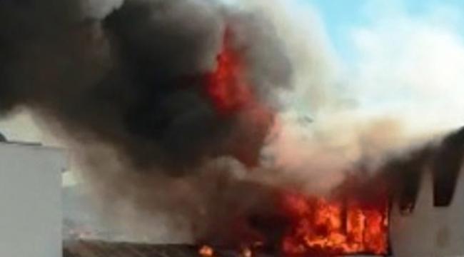 Öğrencilerin kaldığı binada yangın paniği